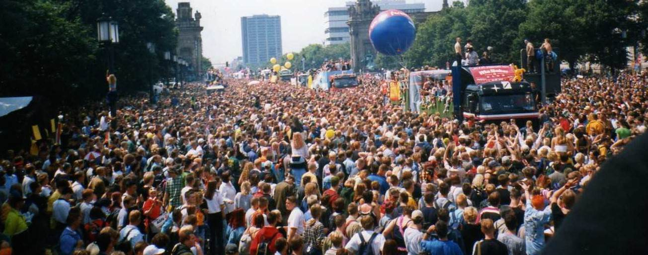 Berlin, Love Parade 1997 (Wikicommons)