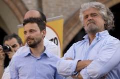 Beppe Grillo (th) och en av de numera uteslutna, Giovanni Favia