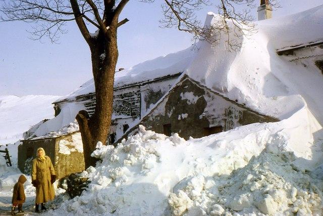 En översnöad gård i Overtown 1963