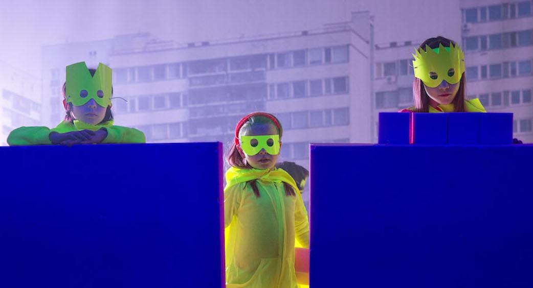 """Från föreställningen """"Next Day"""". Bild © Phile Deprez"""